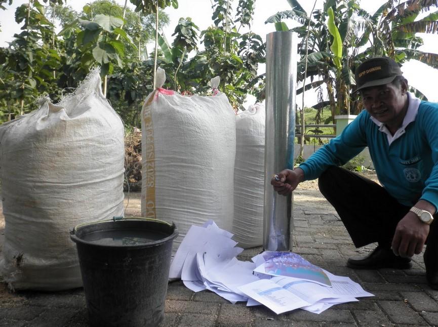 Membuat Cerobong Silinder Sekam Bakar