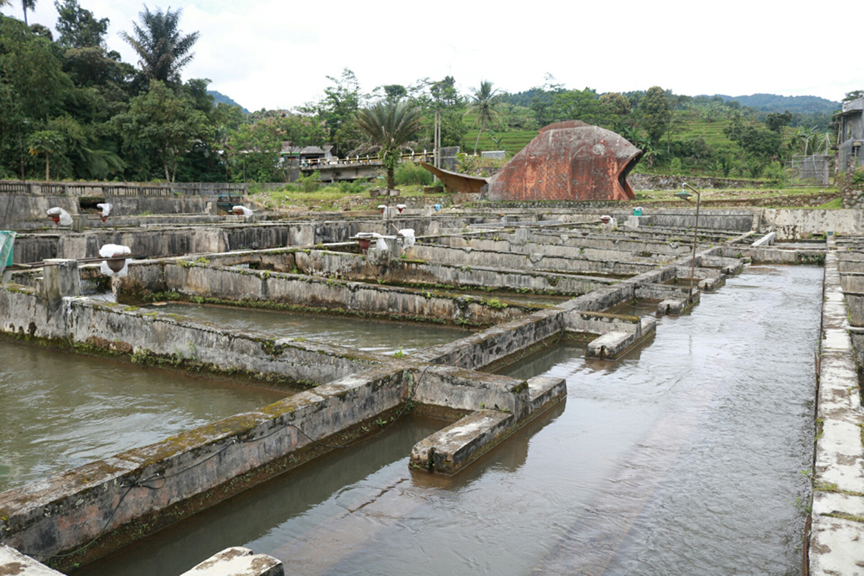 Kolam Air Deras